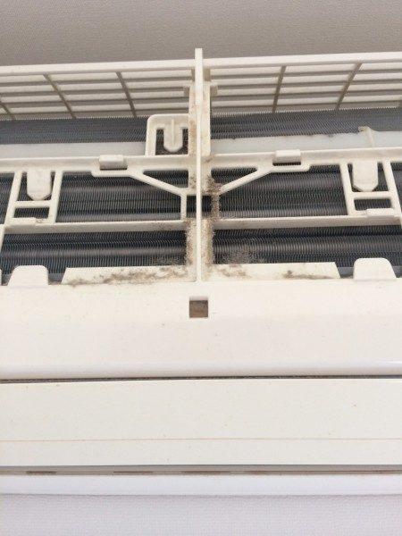 神戸市東灘区魚崎南町A様宅にてエアコンクリーニング二台